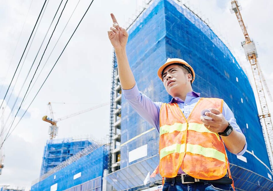 A general contractors responsibilities include safety on the worksite